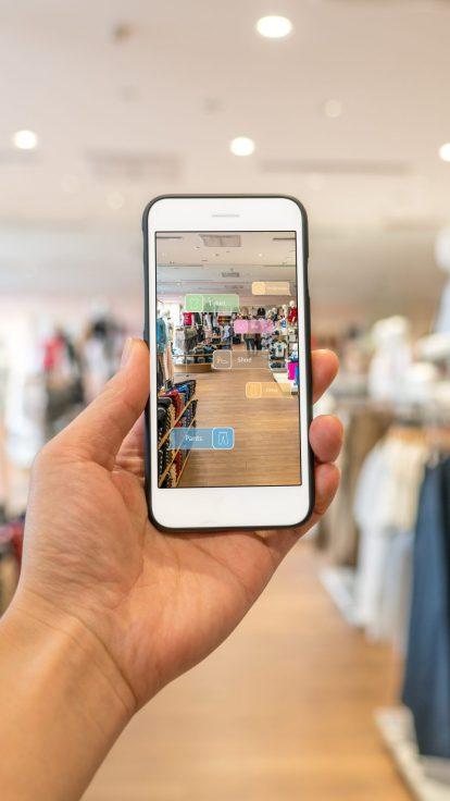 Mobile using Facebook Beacon technology for e-commerce