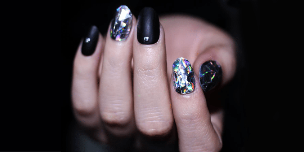 Diamond Nails trendy