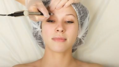 What is Beautician's Public Liability Insurance & what does it cover?