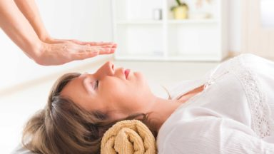 What is Holistic Therapy & how do you become a Holistic Therapist?