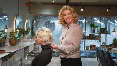 Gina Conway's 2-minute hair challenge